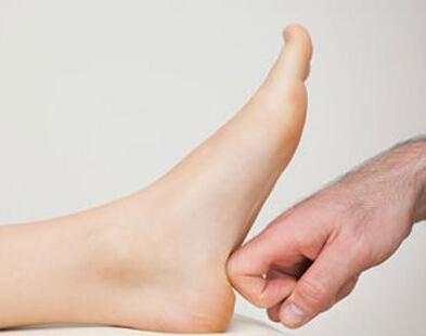 如何通过足底按摩来治疗失眠?